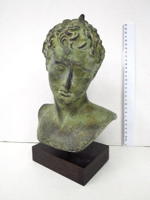 פרוטומה עשויה סטוקו (דמויית ברונזה) דמות אלכסנדר מוקדון