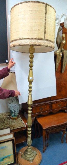 מנורה עומדת, סגנון צפון אפריקה עשויה פליז