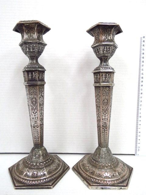 זוג פמוטים, ברונזה, היו מצופים כסף סגנון טודור (פגמים מתוקנים)