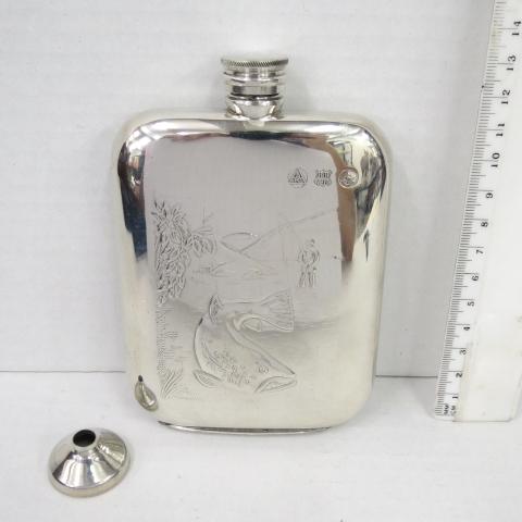 בקבוק כיס לויסקי, עם תבליט דייג אנגליה