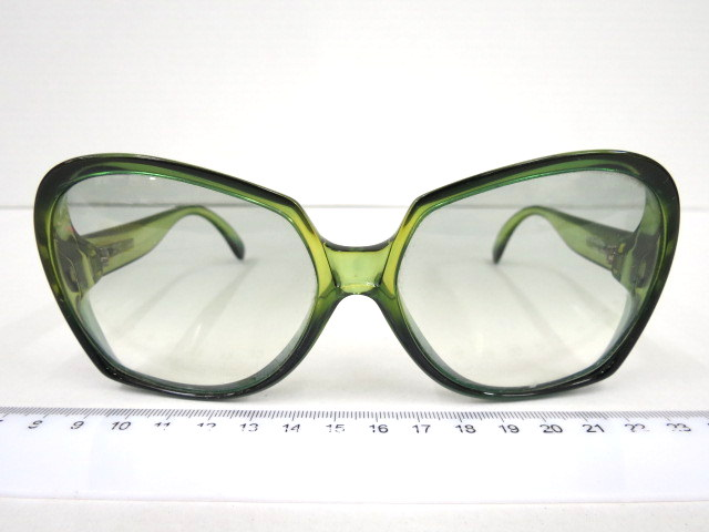 משקפי שמש תוצ Oplil, וינה