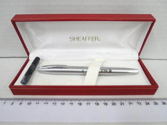 עט נובע תוצ Sheaffer, גוף ומכסה אל חלד (מתנת בנק דיסקונט)