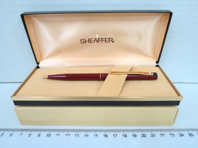 עט כדורי תוצ Sheaffer גוף לקר אדום (מתנת חב' ביטוח הסנה)