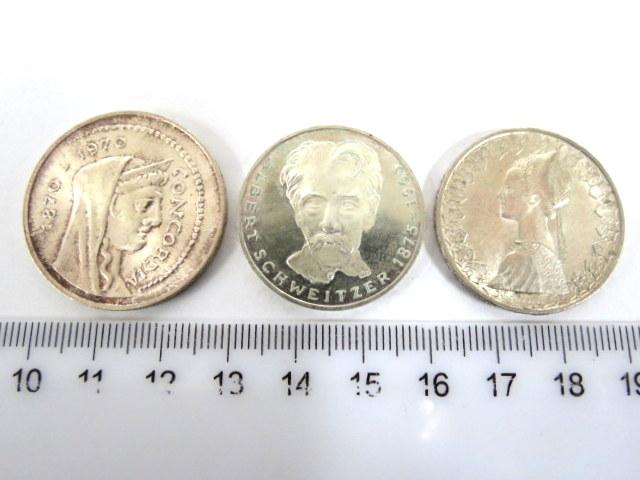 שלושה מטבעות כסף: 5 מרק גרמניה 1975, 500 לירה, איטליה, 1000 לירה, 1970