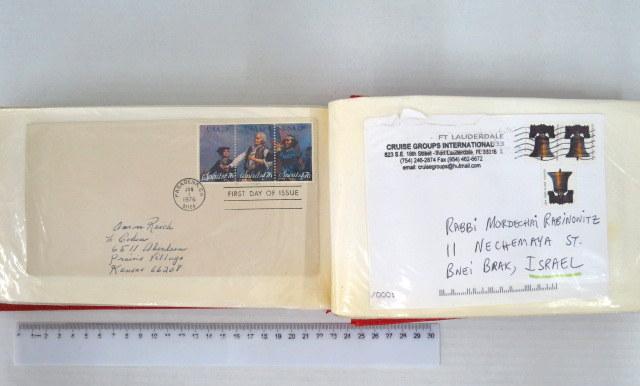 אלבום עם כ-94 מעטפות יום ראשון ומעטפות שנשלחו, עם בולים בנושאי מוזיקה