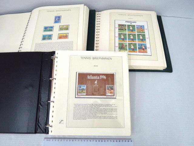 """שלושה אלבומי בולים מקוריים בנושא טניס Tennis Briefmarken, בהם סה""""כ כ-190 דפים עם בולים והסברים"""
