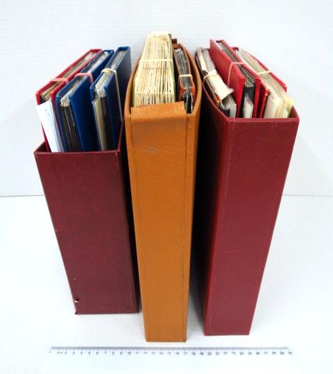 """שמונה אלבומי בולים בנושא זוכי פרס נובל 1901-2014, ס""""ה כ-2850 בולים ויותר ממאה בלוקים ומעטפות, מסודרים לפי שנים"""