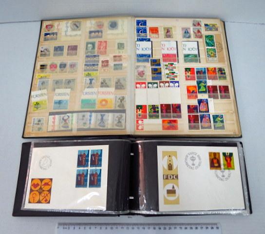 """אוסף בולי ליכטנשטיין מעורב, סה""""כ ערך קטלוגי 1450 יורו, כולל שני אלבומים וכ-37 מעטפות"""
