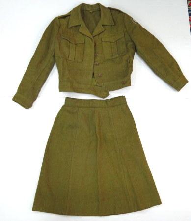 """מדי חורף לחילת, צה""""ל, חיל רגלים שנות ה60, כולל חצאית וירכית, תוצ' המשקים, 1965-1966"""