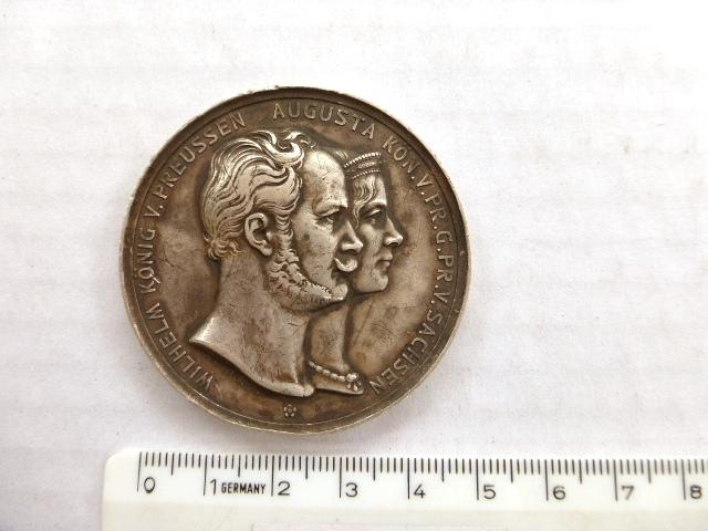 מדלית כסף פרוסיה עם הקדשה חרוטה בצד ב', 1867 Wilh. Koenig v. Preussen-Augusta Kon.v. Pr. פגמים