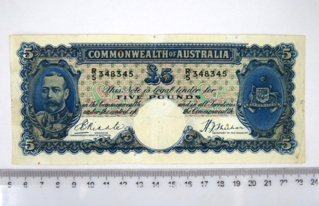 "שטר של Commonwealth of Australia שלטון ג'ורג' החמישי, 1933-1939 ע""ס Five pound, מצב Fine-XF"