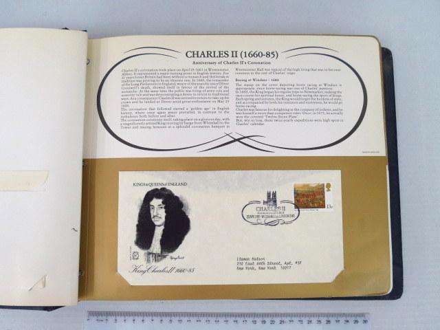 אלבום עם סדרת מעטפות מלכי אנגליה לא מסודר, חסרה מעטפה של ג'ורג' הרביעי