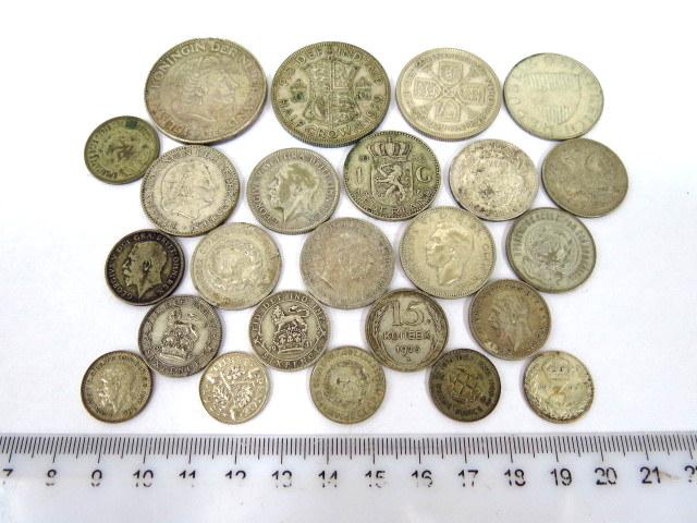 """תשעה עשר מטבעות כסף, ארצות שונות מצבים שונים, ס""""ה 116 גרם"""