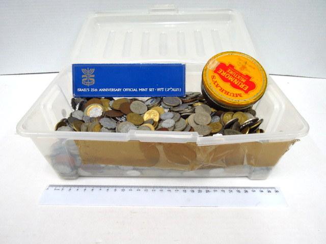 """לוט מטבעות כל העולם כ-8 ק""""ג"""