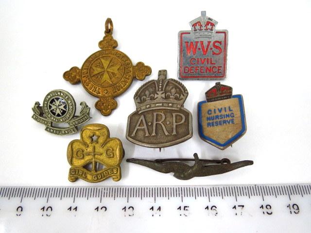 שבע סיכות-אותות, אנגליה, מלחמת העולם השניה שנות ה30-40, גופי התנדבות שונים: A.R.P (Air raid precaution) הגנה אוירית, civil nursing reserve,