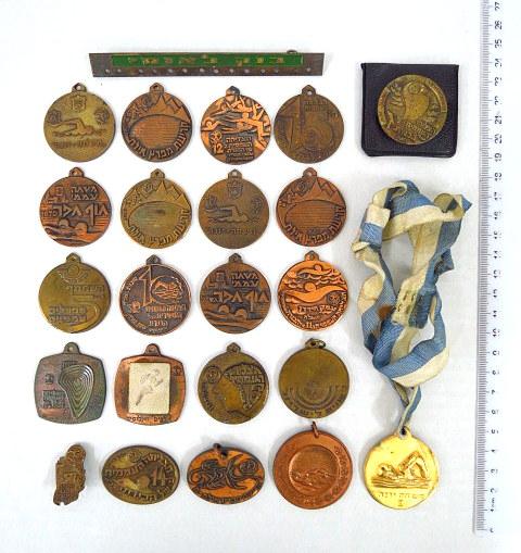 לוט גדול של מדליות של צליחות כנרת עממיות ומשחים, ישראל, שנות ה60-70