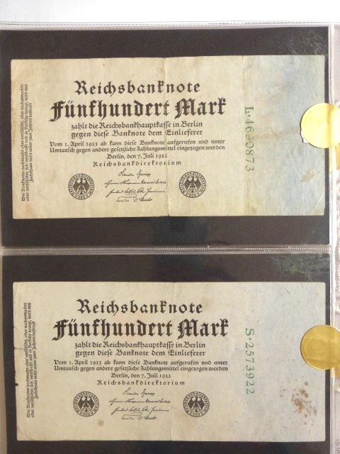 """שנים עשר שטרות Reichs banknotes גרמניה, 7.7.1922, ע""""ס 500 מרק (uniface), מספרים ירוקים, (מהם 4 של שמונה ספרות), מסודרים לפי פריפיקסים"""