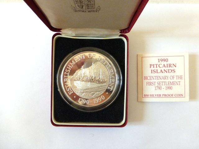 """מטבע כסף ע""""ס 50 דולר Proof Coin כסף טהור 999, במשקל 155.6 גרם, לרגל 200 להתישבות באיי פיטקרן ע""""י מורדי הבאונטי 1790-1990"""
