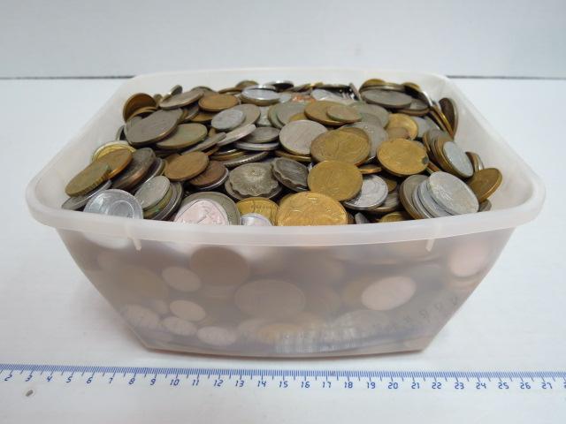 """לוט מטבעות ישראל שיצאו מהמחזור כ-7 ק""""ג"""