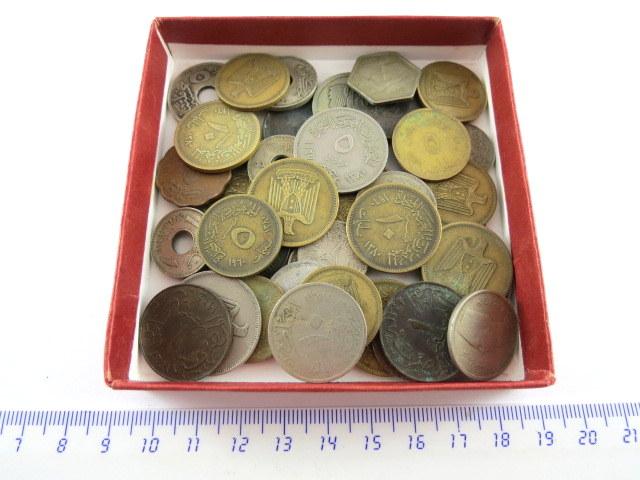 לוט של מטבעות מצרים שנים שונות המאה ה20