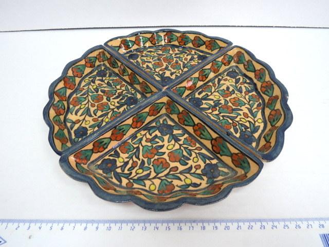סט של ארבע קעריות קרמיקה ארמנית ירושלים, שנות ה60, חתומים ( אחד מתוקן)