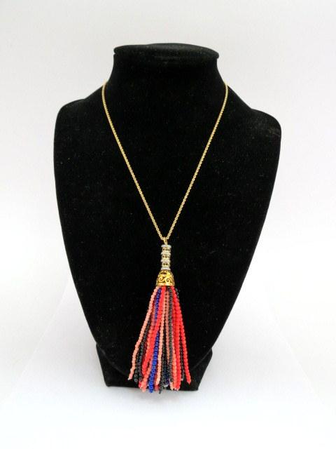 """שרשרת זהב 14K, עם תליון חרוזים צבעים שונים, אורך 29 ס""""מ"""