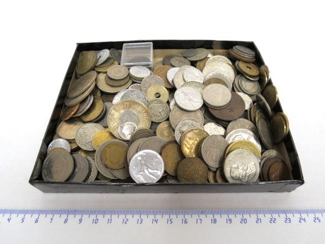 """לוט מטבעות """"כל העולם"""""""