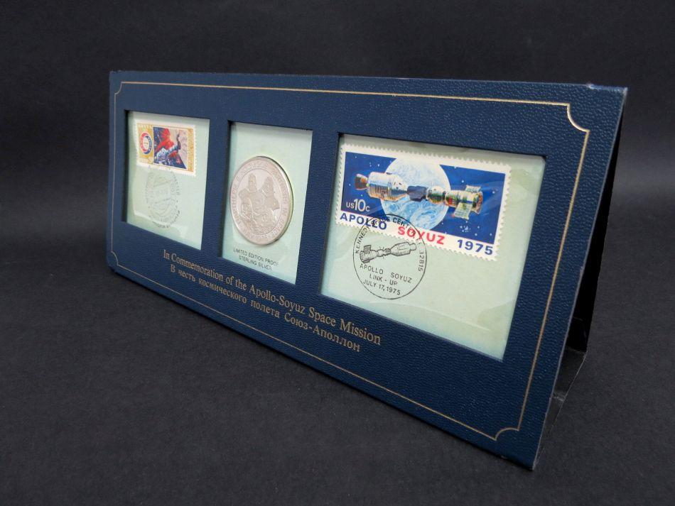 מטבע- לזכר המשימה של אפולו מטבע ובולים 1975