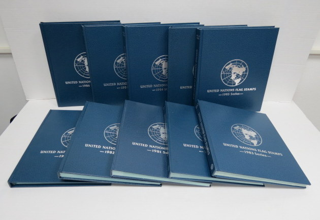 """אוסף אלבומי מעטפות יום הופעת הבול של האומות המאוחדות, סדר הדגלים, ס""""ה 10 אלבומים 1980-1989 Set of United Nations flag stamps, first day covers 1980-1989 (complete)"""