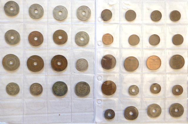 לוט מטבעות מנדט: 100 מיל (1927,1935) 50 מיל 1927,1935,1939), 20 מיל (1927,1942,1944), 10 מיל (11), 5 מיל (3), 2 מיל (5), 1 מיל (8)
