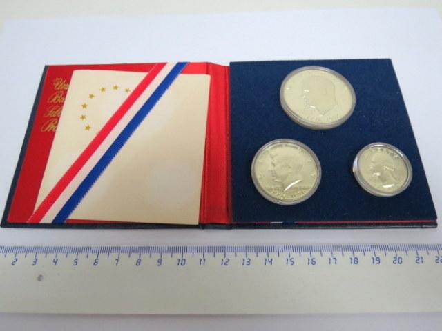 """סדרת מטבעות Proof, ארה""""ב ע""""ס רבע, חצי, ו-1 דולר (כסף 40%), 1776-1976, באריזה מקורית US mint, Bicentenial silver proof set"""