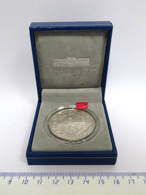 """מטבע כסף ע""""ס 1 פרנס, צרפת לזכר.6juin 1944, הטבעת 1993, כסף 900"""