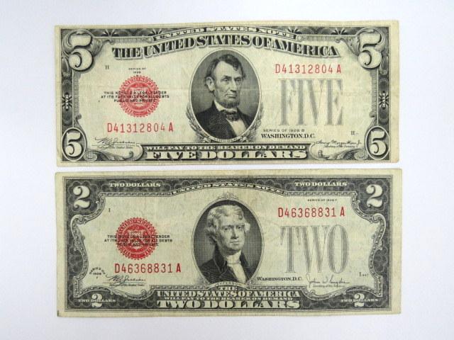 """שני שטרות ע""""ס 2 דולר ו- 5 דולר, ארה""""ב מיספור אדום, 1928, מצב Fine"""
