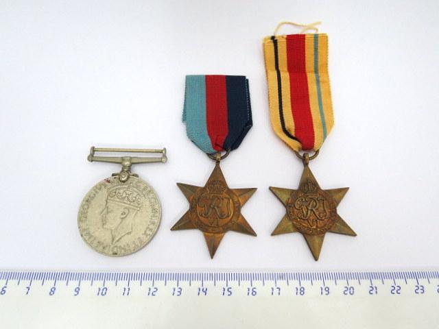 שלושה אותות צבא, הוד מלכותה מלחמת העולם השניה: Africa Star, 1939-1945 Star, War Medal