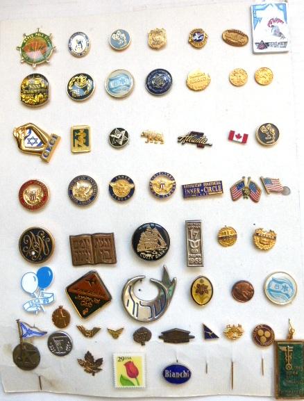 """חמישים וארבעה סמלים וסיכות ארה""""ב ופעילות ציונית בארה""""ב, שנות ה60 עד שנות ה80"""