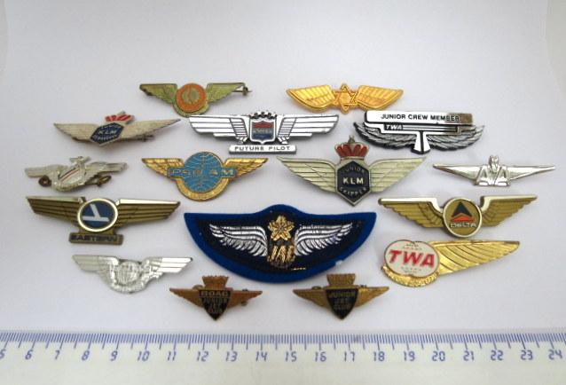 ששה עשר סמלים- סיכות, מתנות חברת תעופה, ארצות שונות