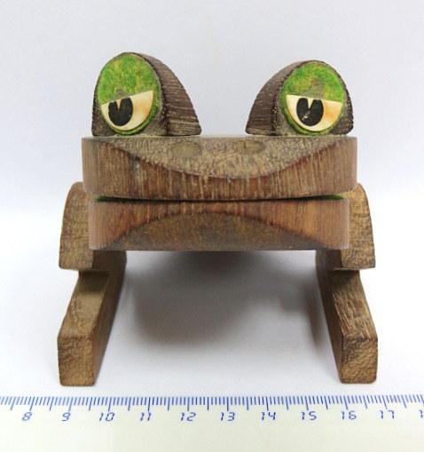 מחזיק פתקים עשוי עץ, צורת צפרדע חתום