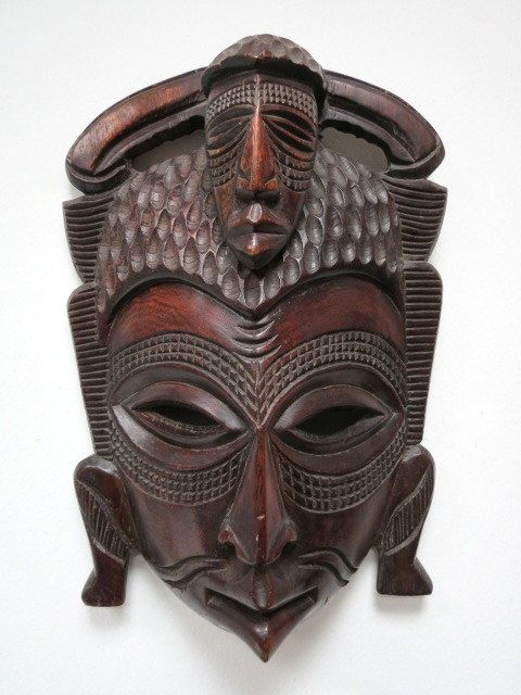 מסכת עץ אפריקנית, עבודת גילוף