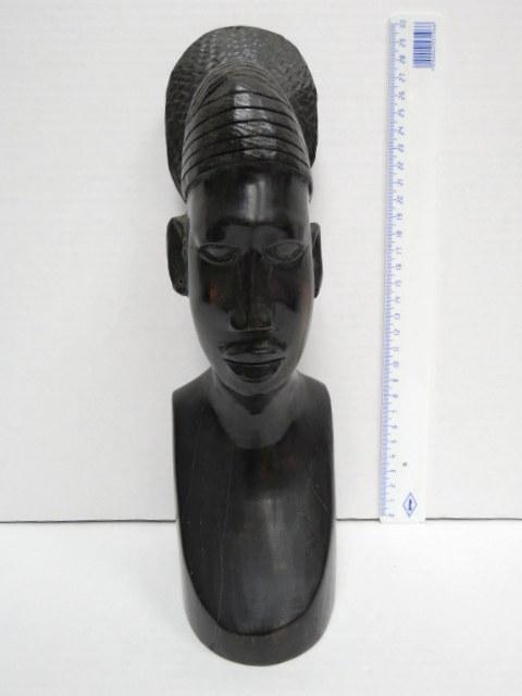 פיגורת עץ אבוני, ראש אישה אפריקה