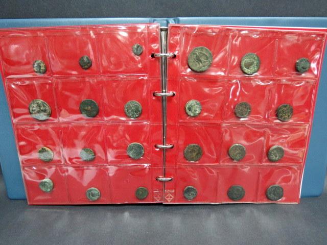 אלבום עם 48 מטבעות ארץ ישראל מתקופת בית תלמאי עד לתקופה הערבית, מצב good-fine, 45 ברונזה ושלושה דינרים רומיים