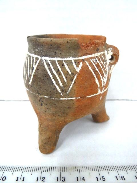 """כלי טרה קוטה קטן, קפריסין אלף לפנה""""ס"""