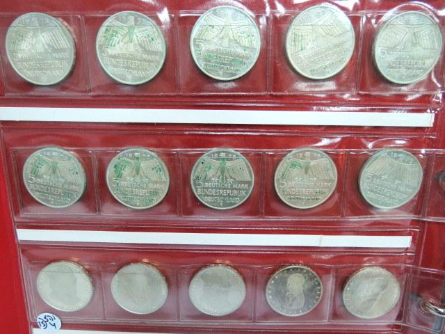 """לוט 15 מטבעות זכרון ע""""ס 5 מרק גרמניה המערבית, כסף 625 : Europaeischer Denksmal Schutz  (10), Kleist 1977 ( 2), Gauss 1977"""