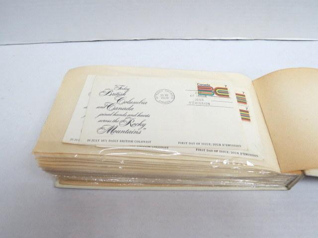 אלבום עם 37 מעטפות יום הופעת הבול קנדה, וכן 20 מעטפות הונגריה ונוספים