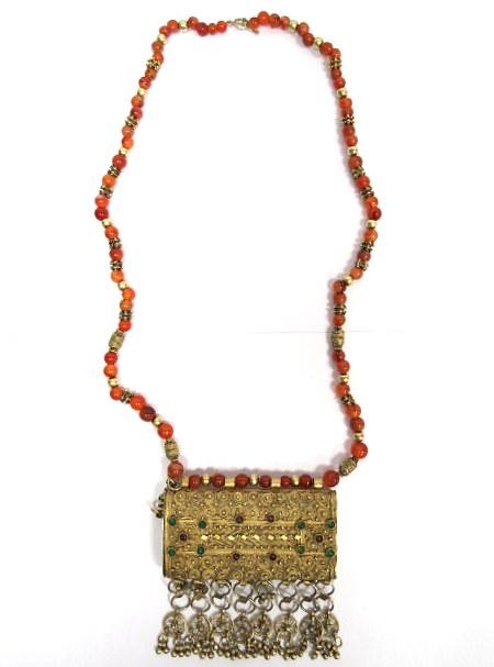 תיק-ארנק לאישה, עבודת יד תימנית, כסף עם פיליגרן וחרוזי קורניאול