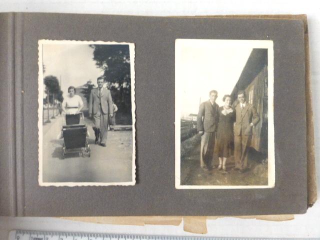 """אלבום קטן של צילומי משפחה בחו""""ל ואחר כך בשכונת תל-חיים, תל אביב, שנות ה30"""