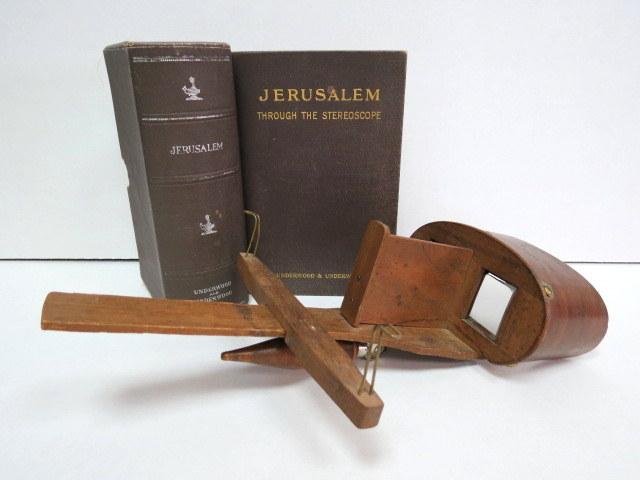 עשרים ושבעה צילומים סטריוסקופים Jerusalem הוצ   Underwood a. Underwood, New York-London-Ottawa-Toronto 1900, כולל סטריוסקופ וכן  הספר Jerusalem through the Sterioscope