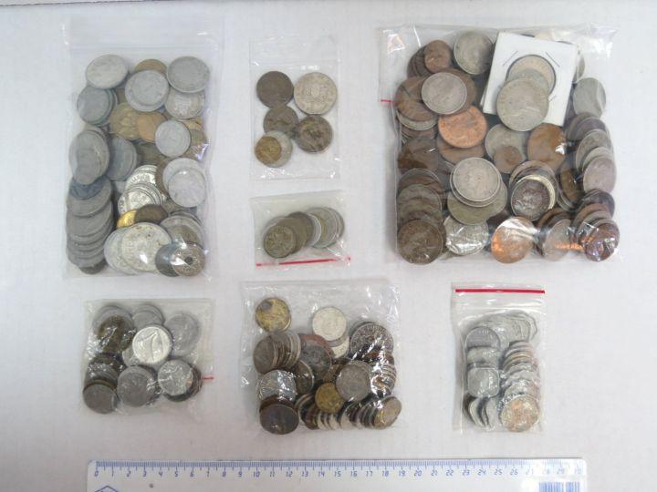 אוסף מטבעות, ארצות שונות: אנגליה, צרפת, הודו, פולין, ארצות ערב, איטליה, קניה