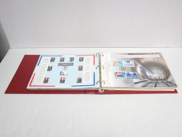 אלבום עם 61 דפיות יום הופעת הבול ממוספרות, צרפת 1980-2004