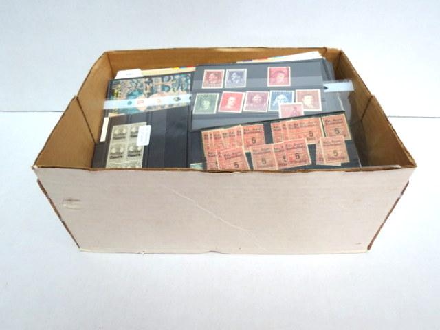 קופסה עם בולי כל העולם כולל גליונות, חדשים וחתומים