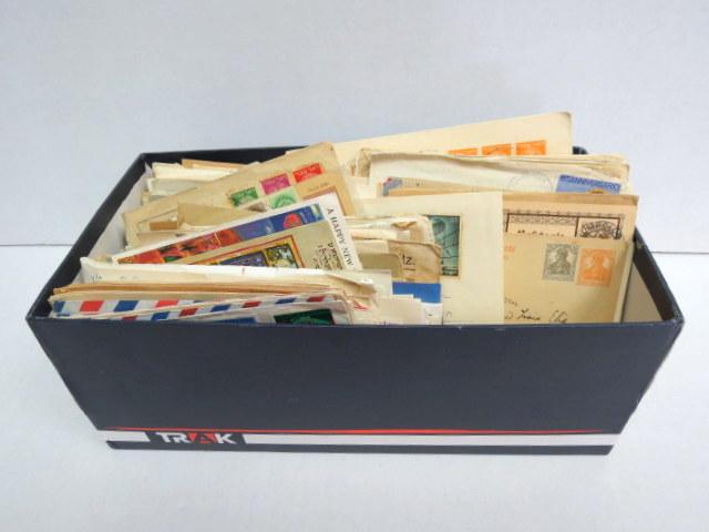 קופסת בולים עם מעטפות דואר חי ואירועים, FDC, כל העולם, כולל מנהלת העם ועוד